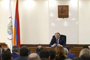 Taron Margaryan: Unified approach must be applied in festive decoration of Yerevan