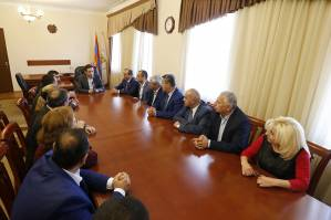To encourage legal construction and prevent illegalities: Mayor introduces the new head of Ajapnyak administrative district