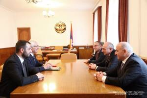 Yerevan delegation is welcomed in the residence of Artsakh President