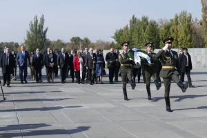 President of Greece renders memory tribute to victims of Armenian Genocide