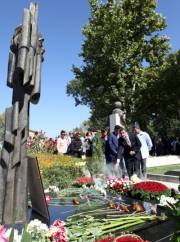 A tribute to the memory of Sos Sargsyan