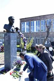 A bust of the Western Armenian poet Siamanto has been opened