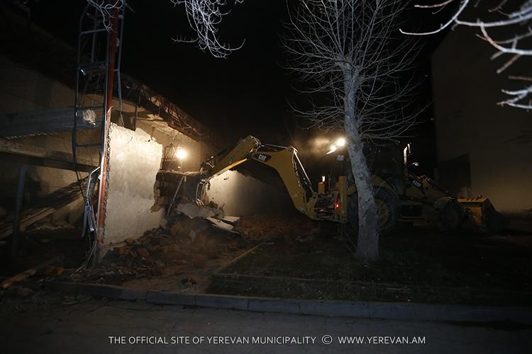 Մայրաքաղաքում ապամոնտաժվել է ապօրինի 4 շինություն
