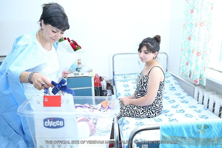 Հաճելի անակնկալ՝ արցախցի նոր մայրացած կանանց