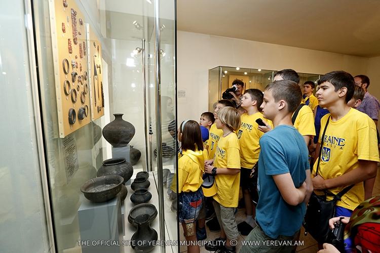 Օդեսայից ժամանած պատվիրակությունը` Երևան քաղաքի պատմության թանգարանում