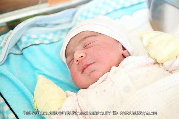 Հայաստանում մինչև 6 ամսական երեխաների միայն 45 տոկոսին է բացառապես կրծքի կաթ տրվել. հետազոտություն