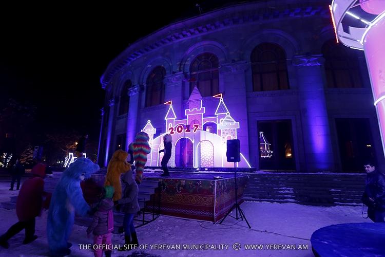 В Ереване открылся «Ледяной город»