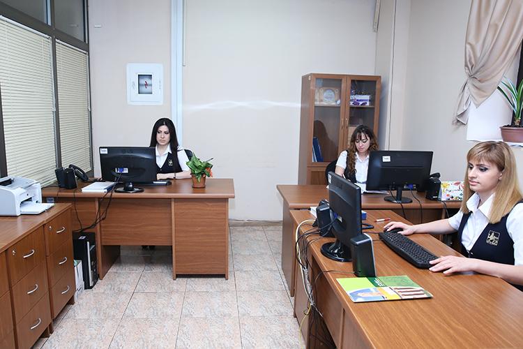 Мэрия Еревана держит в центре пристального внимания жалобы жителей по телефонам «горячей линии»