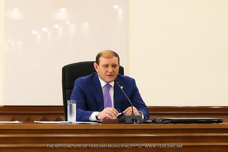 Тарон Маргарян поручил тщательно подготовиться к началу нового учебного года