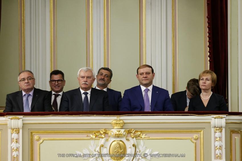 Тарон Маргарян посетил гала-концерт в рамках «Дней Еревана в Санкт-Петербурге»