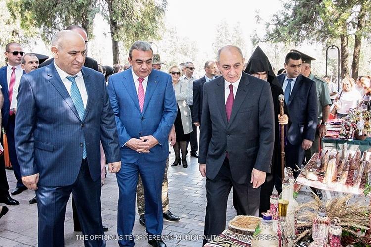 Делегация мэрии Еревана приняла участие в праздничных мероприятиях ко Дню столицы Арцаха