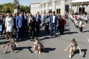 Mayor Taron Margaryan walks about festive Yerevan