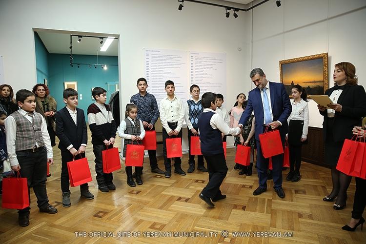 В Армении назвали победителей школьного конкурса, посвященного 200-летию со дня рождения Айвазовского