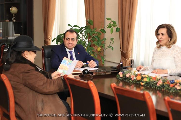 Представители муниципальных органов в Ереване каждый четверг выслушивают жалобы граждан