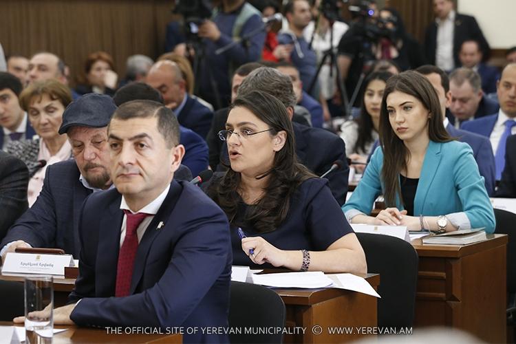 Совет старейшин Еревана отказал фракции «Еркир цирани» в переименовании улицы Вазгена Саргсяна