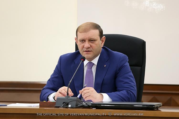 Тарон Маркарян: Решение проблем с водоснабжением и водоотводом не входит в функции мэрии