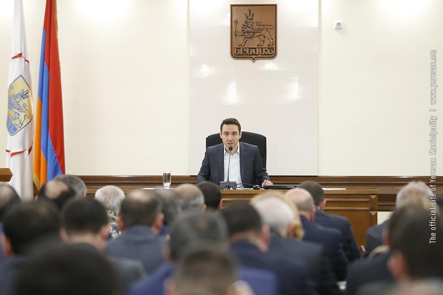 «Так больше не может продолжаться»: ультиматум мэра Еревана компании «Санитек»