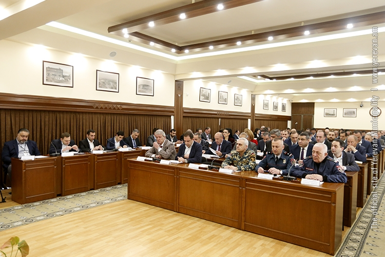 Мэр Айк Марутян пообещал жителям столицы «чистый Ереван»