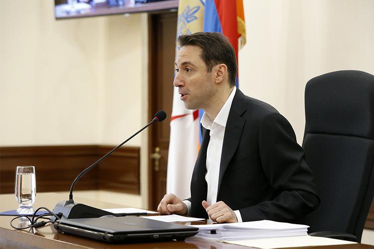 Согласно опросам, граждане Армении работу мэра Еревана оценили из 5 максимальных баллов на 3,3 балла